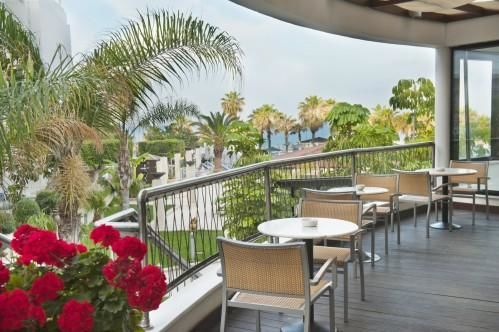 Louis Ledra Beach Hotel – Lobby Outdoor Veranda