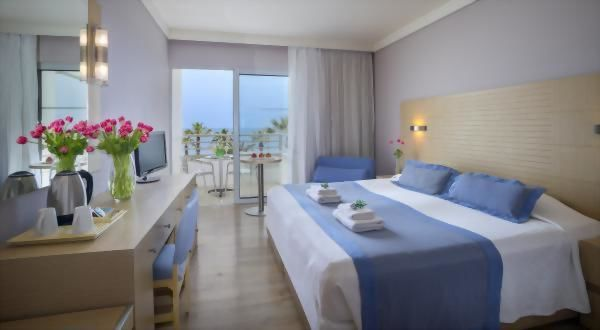 Louis Ledra Beach Hotel – Twin Sea View Room