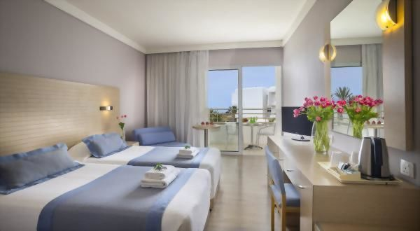 Louis Ledra Beach Hotel – Twin Side Sea View Room
