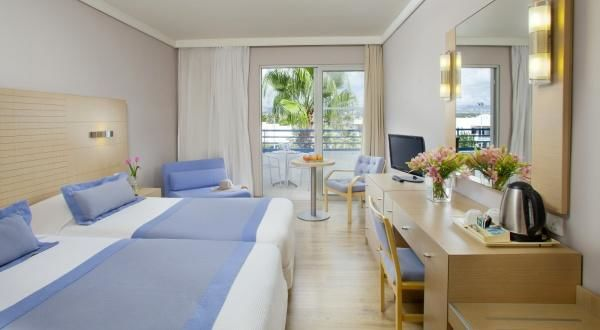 Louis Ledra Beach Hotel – Twin Inland View Room